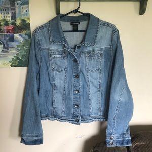 Lane Bryant women's sz 16 jean jacket euc